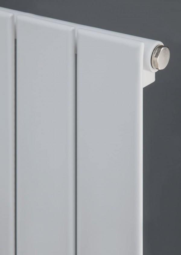 Balts vertikālais radiators 1800x595 3