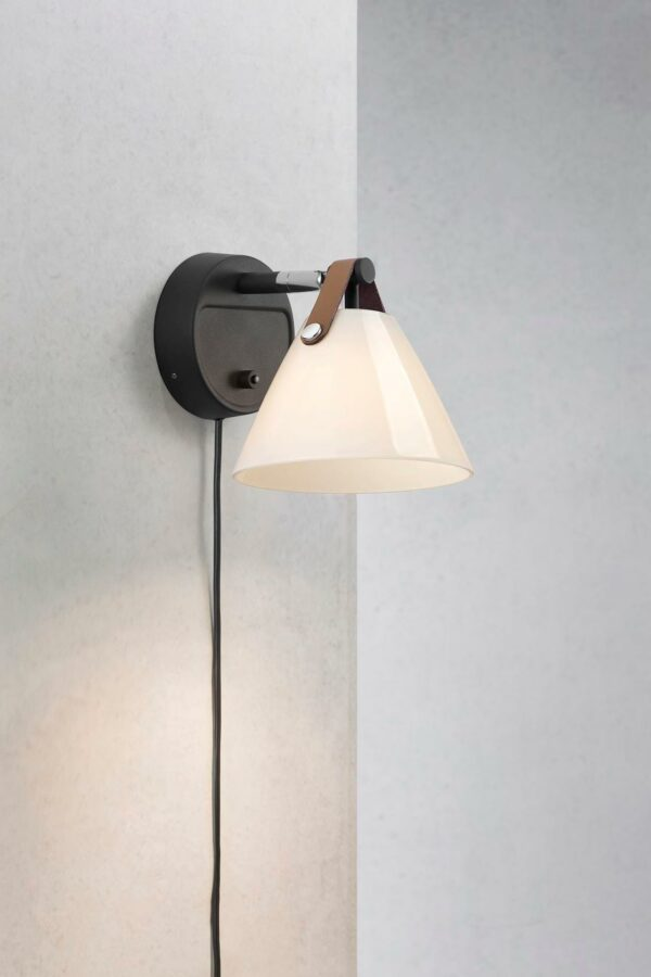 Design for the People Strap 15 Glass Noir sienas lampa 2