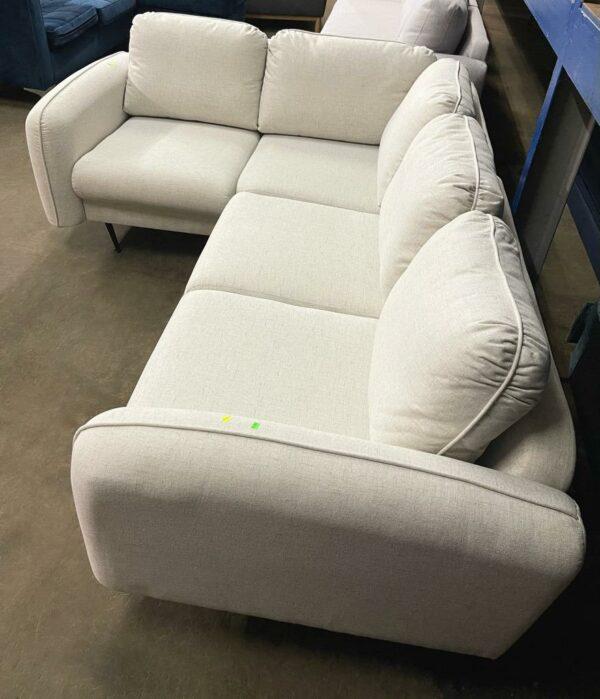 Stūra dīvāns (balts) 2